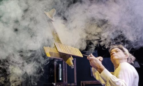 Nederland Alkmaar 21 september 2018. Unieke Zaken speelt: De Vliegende Gek. Foto: Jan Boeve